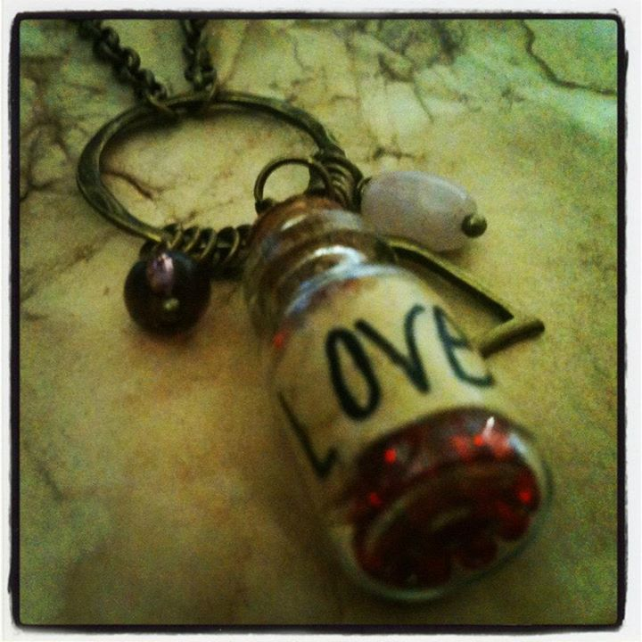 breathingmoment-vial-love